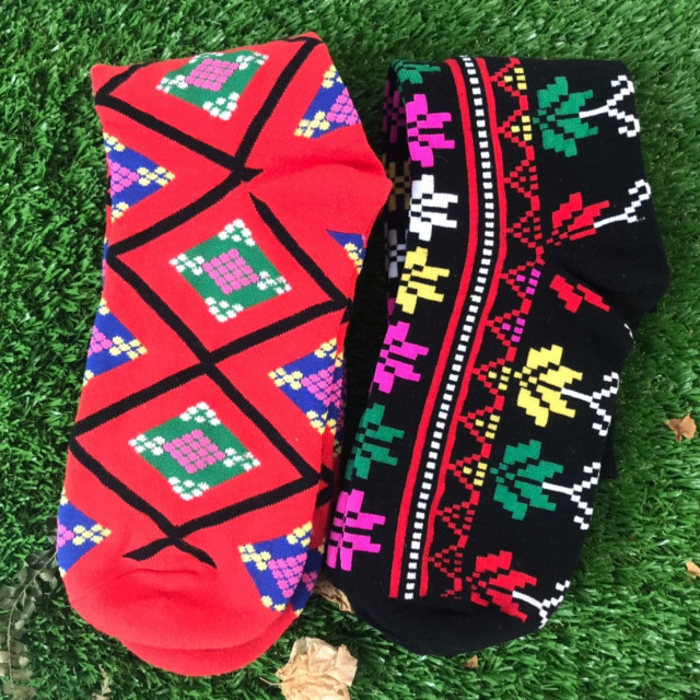 陳年玩飾圖騰襪