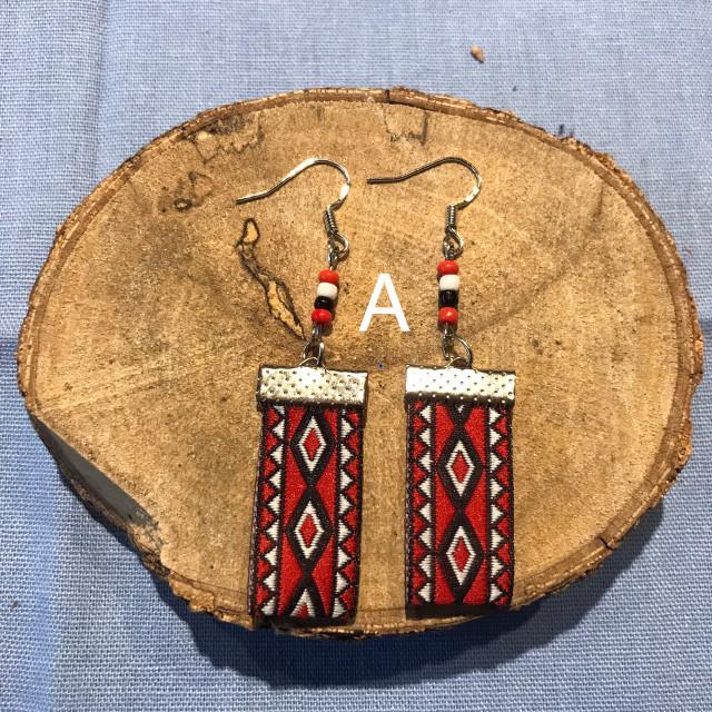 INA私室-串珠織帶耳環 A款