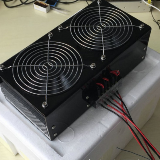 寵物孵蛋用DC12V/240W冷暖風恆溫模組(制冷器+溫度控制器+電源供應器)接AC110V或AC220V就可以用