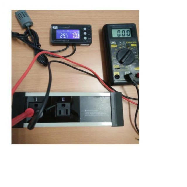AC110V插座型溫濕度控制器