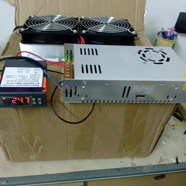 寵物用遙控型DC12V240W風冷式致冷模組吹出冷風+DC12V/30A電源供應器(已配好線,接AC110V)