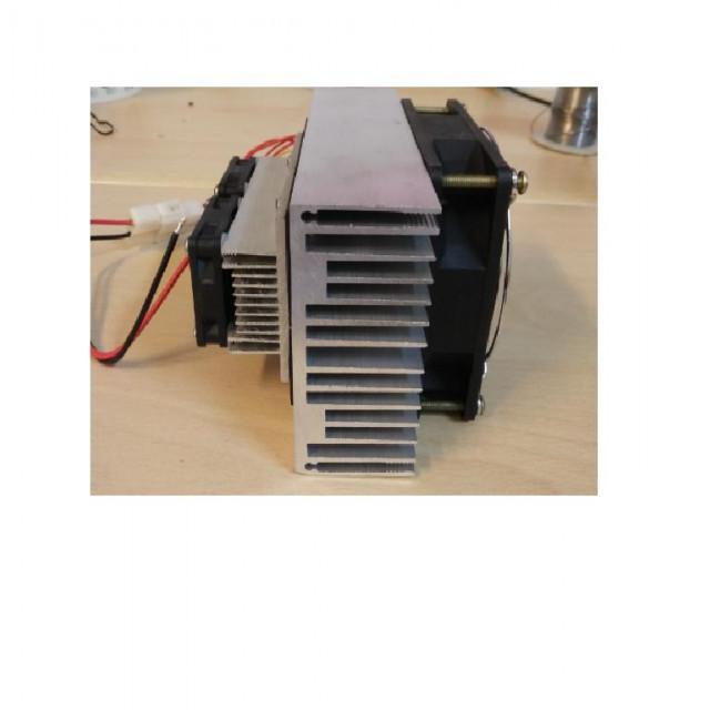 DC12V100W制冷模組吹出冷風