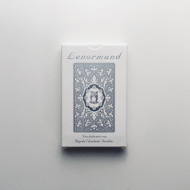 白貓頭鷹雷諾曼|柔和粉彩色|Urania德國製造|White Owl Lenormand