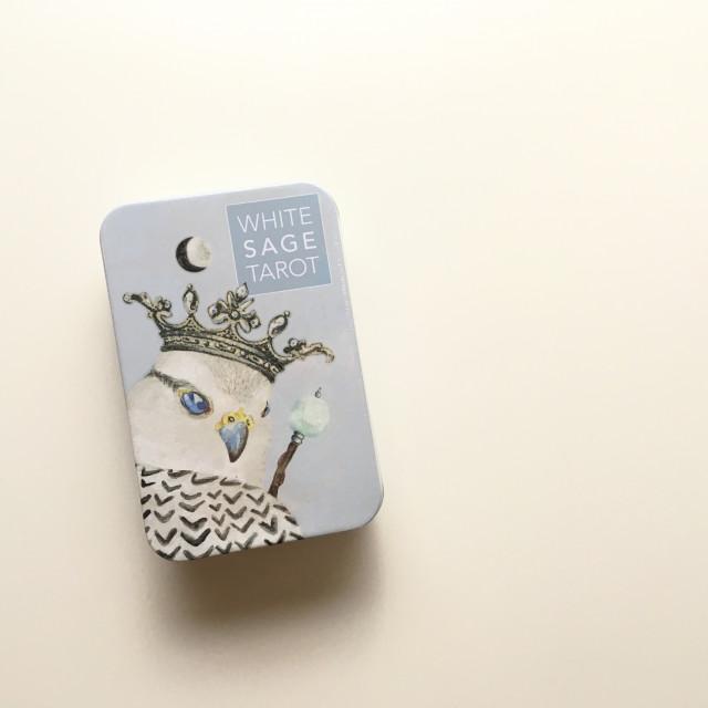 白鼠尾草塔羅|最輕柔的塔羅|鐵盒|White Sage Tarot